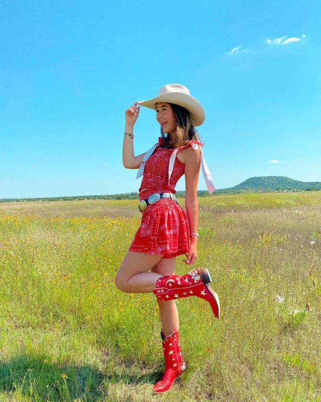 GIVEAWAY IS CLOSED!!!! 🤠🌵today I am SO excited to be giving away two COWGIRL @shop_koch outfits perfect for summer —one outfit for you & one for your bestie!🥰 to enter: ⭐️like this photo, 🐴tag your bff & 💛make sure you're both following @muchlovesophie & @shop_koch 🌵🤠🌞 the KOCH Cowgirl collection officially launches July 12th... stay tuned!! ⭐️